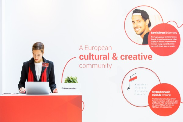 exelmans-google-youtube-event-stand-2015-1